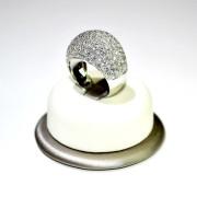 Anello oro bianco con pave' di diamanti 2