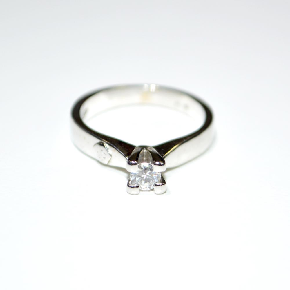 codice promozionale aa4c6 5b57c Anello Solitario oro bianco 18 kt e Diamante
