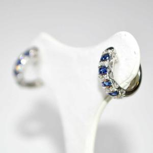Orecchjni in oro bianco con diamanti e zaffiri2
