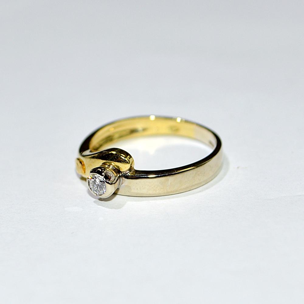 solitario oro giallo con diamante